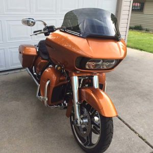 It also looks great with the Harley windshield trim I installed.